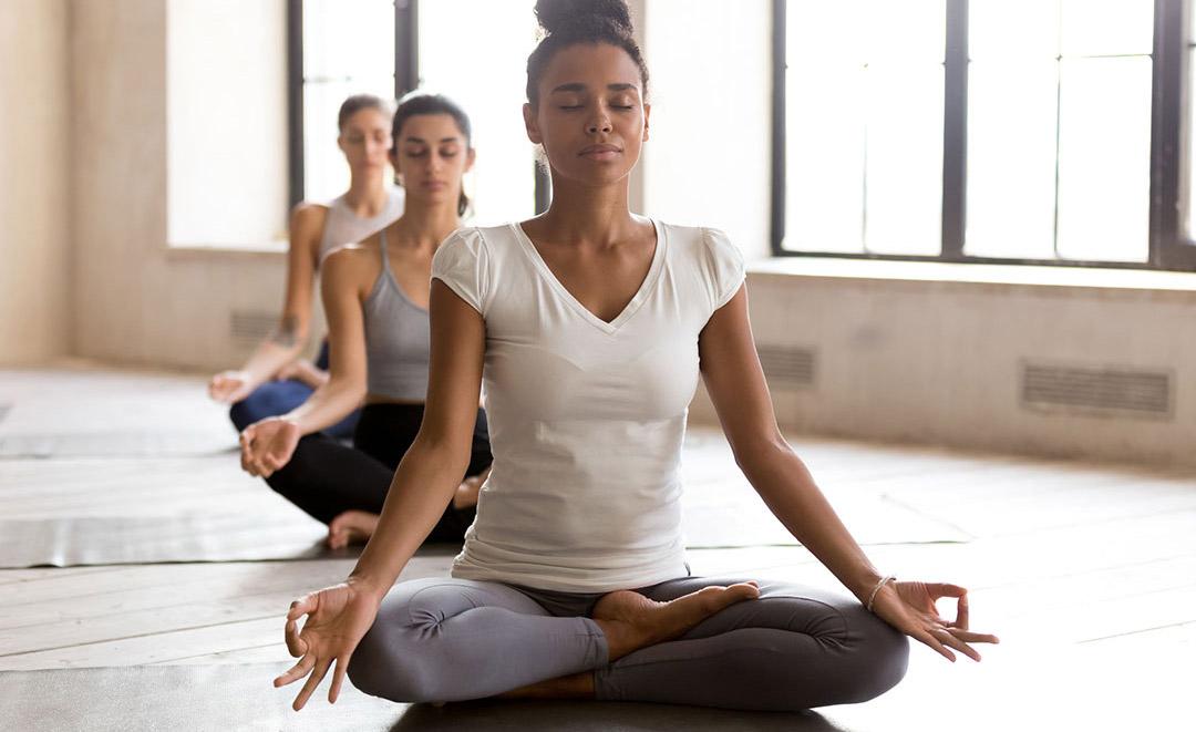 Yoga 112484936 M 1080x661