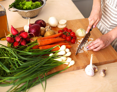 Cutting Vegetables 43133203 S