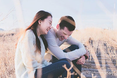 Laughing Couple 1838940 640