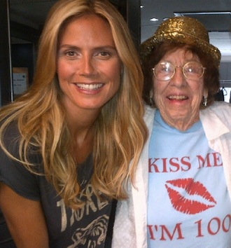 Helene giving advice to supermodel Heidi Klum.